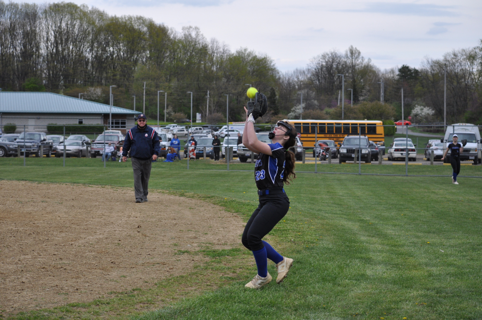 Softball Drops Close Game to Field