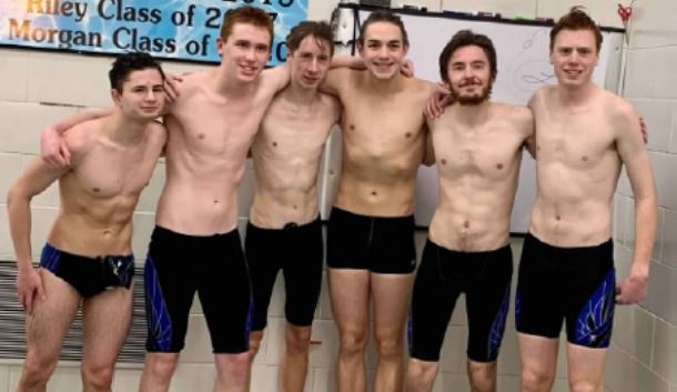 Boys Swim Seniors