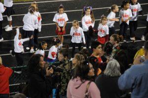 Mini-Cheerleaders – October 2008