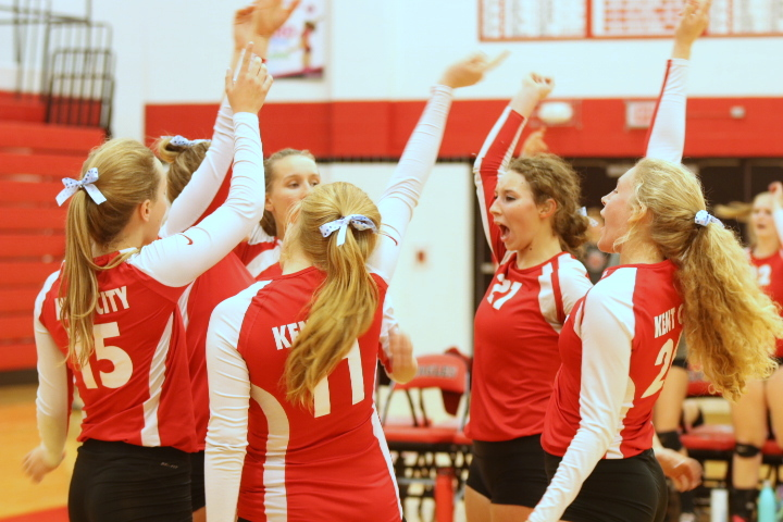 Varsity volleyball finish 1-2 in competitive home quad