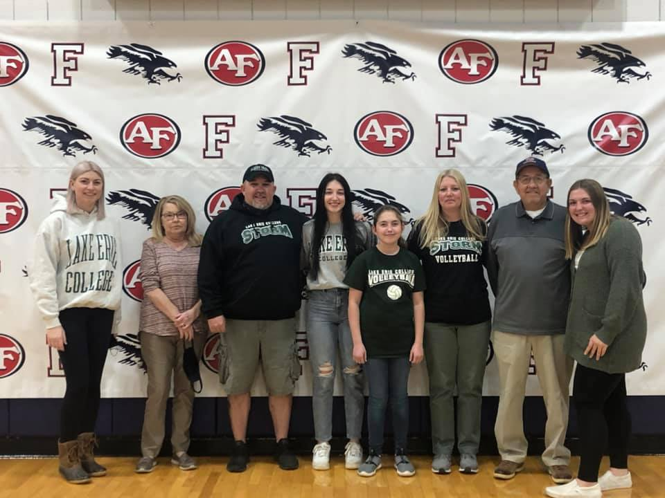 Emma Bartlett Signs with Lake Erie College