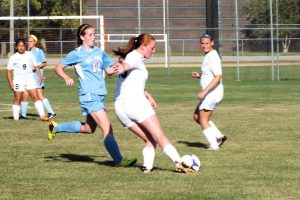 Varisty girls soccer1