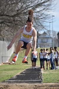 Long jump and discuss
