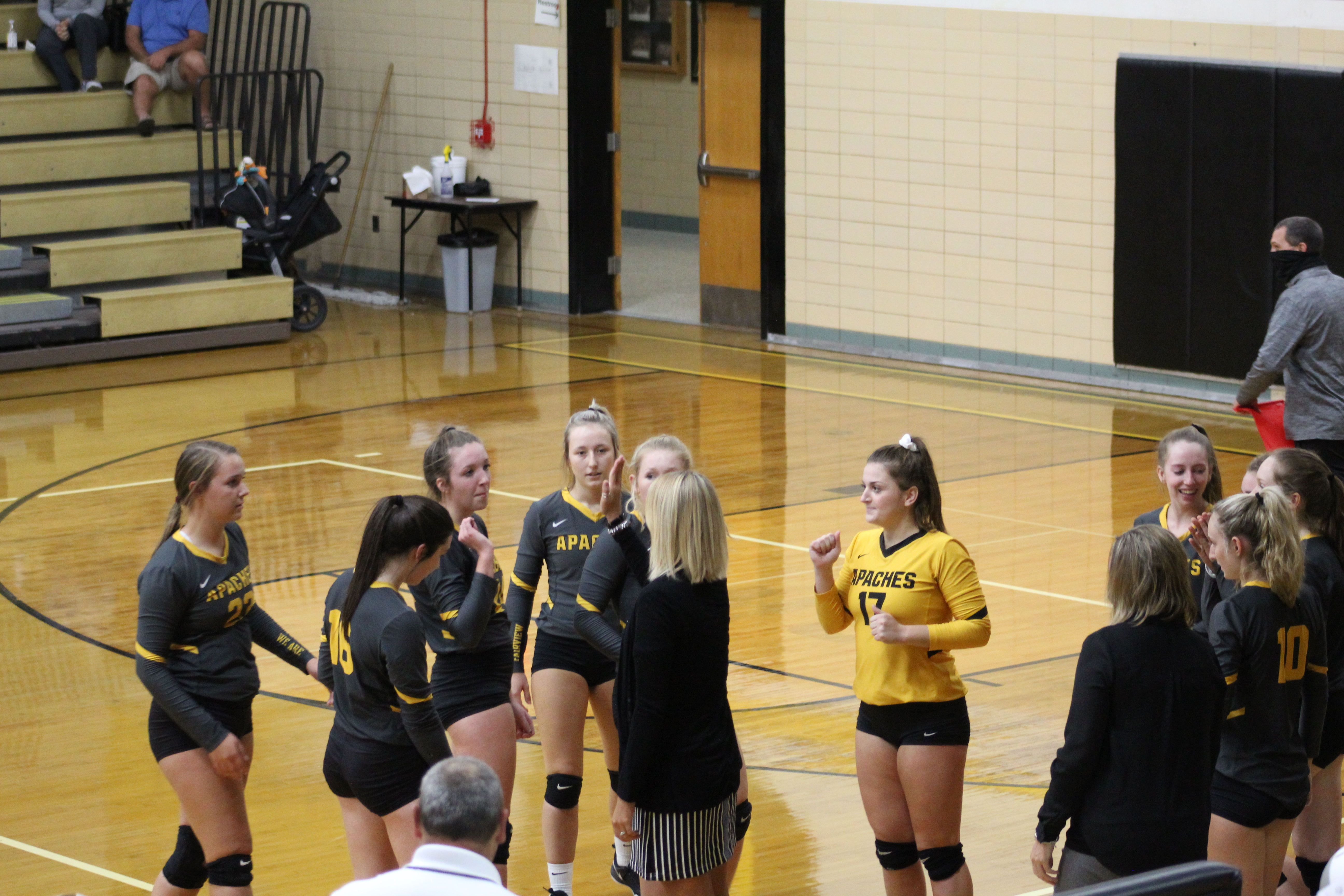 3 Volleyball Players earn District Honors, Ciolek earns Coach of The Year