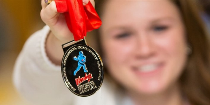 Class of 2019, It's Your Turn To Apply For The Wendy's High School Heisman Scholarship!!