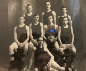 Photo Gallery: Boys Basketball Team Pictures 1909-Present