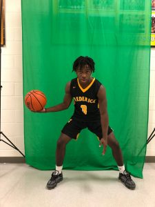 Photo Gallery- Winter Sport Athlete head shots & varsity green screens