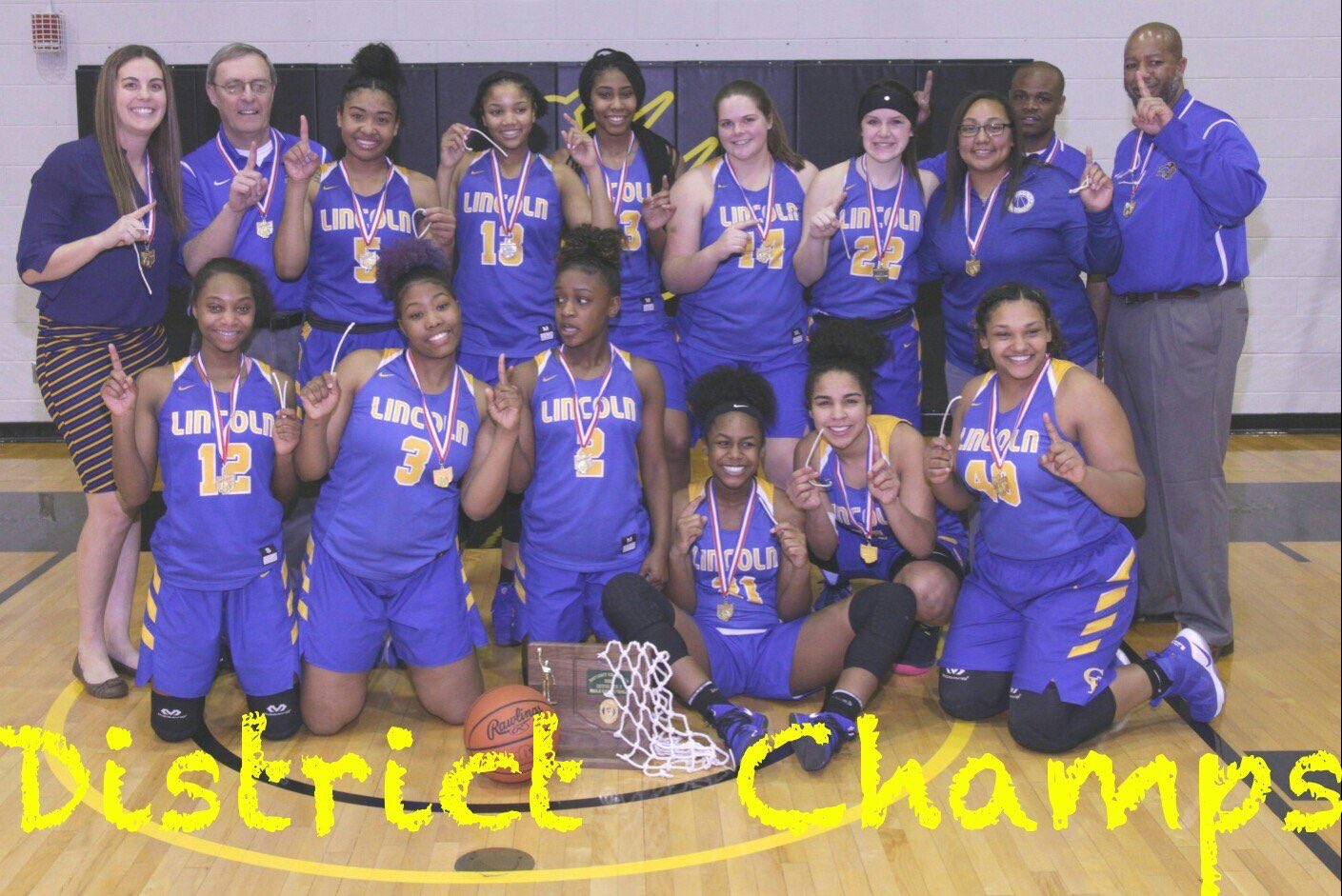 Girls Basketball Wins District Championship