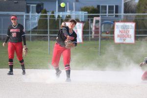girls softball players