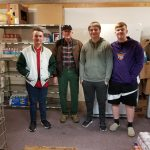 Boys Golf Team Gives Back to the Community
