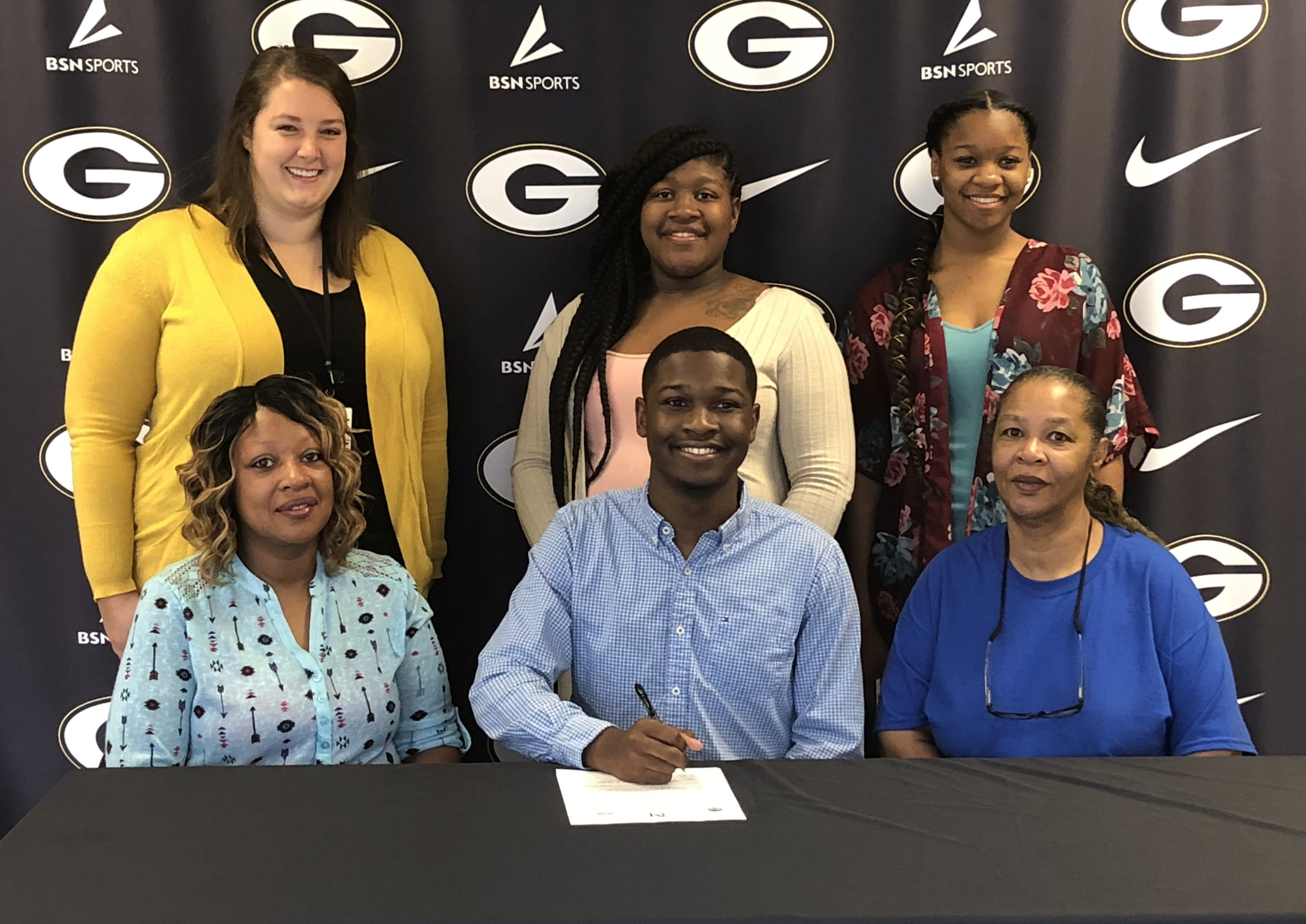 Seven Smith Signs Letter of Intent