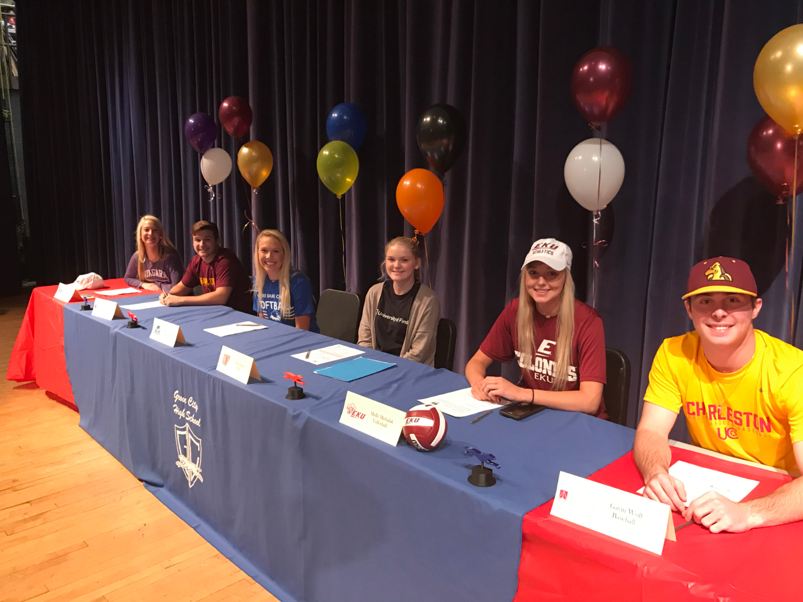 Greyhounds Sign National Letters of Intent