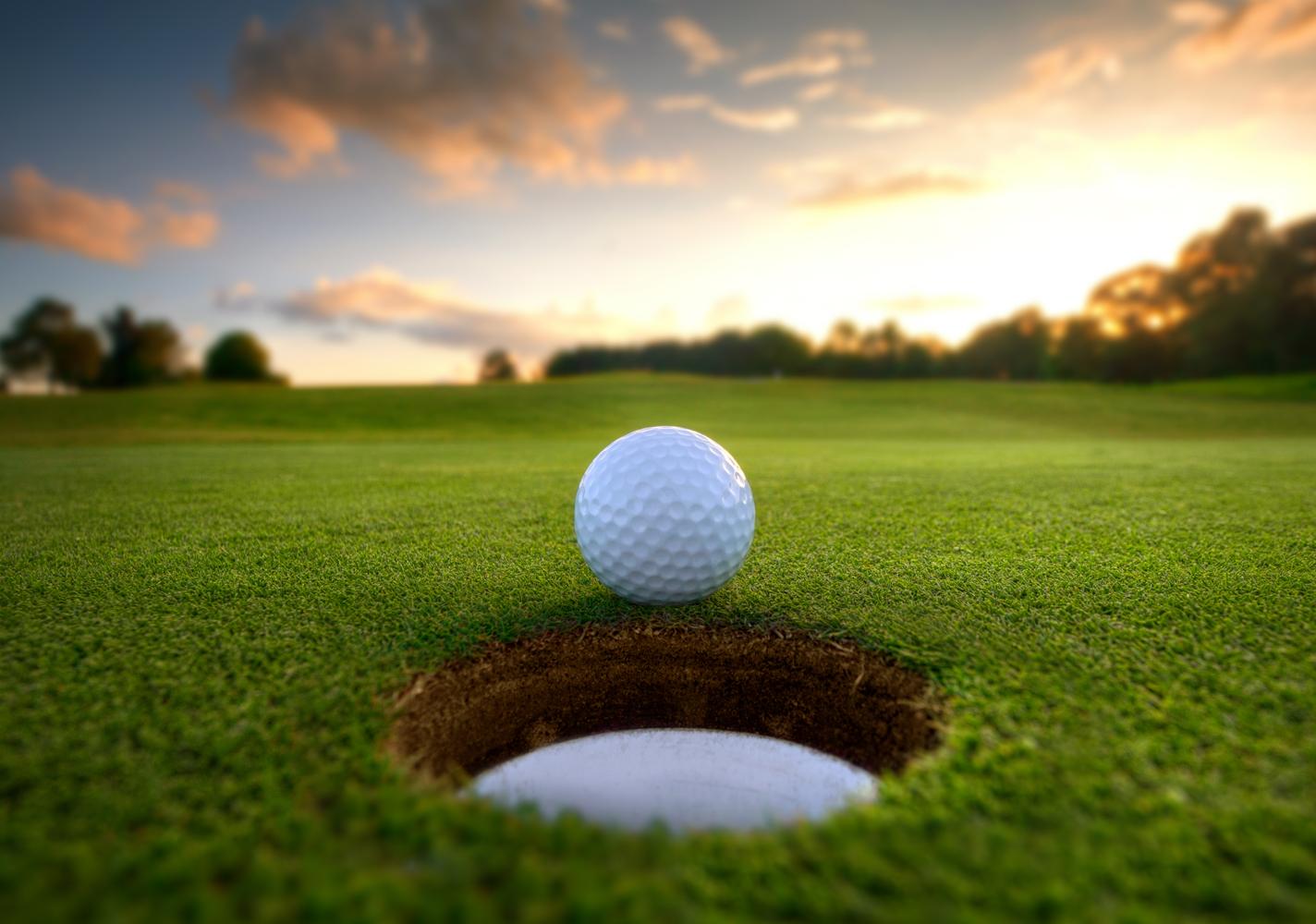 Girl's Golf Fundraiser !