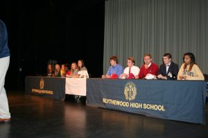 Fall 2014 Senior Scholarship Signing