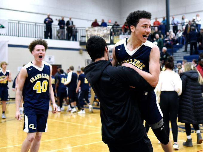 Big Week for Boys Varsity Basketball with Upset at East Lansing and home win over Quakers