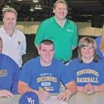Tyler Smith signs with Vincennes