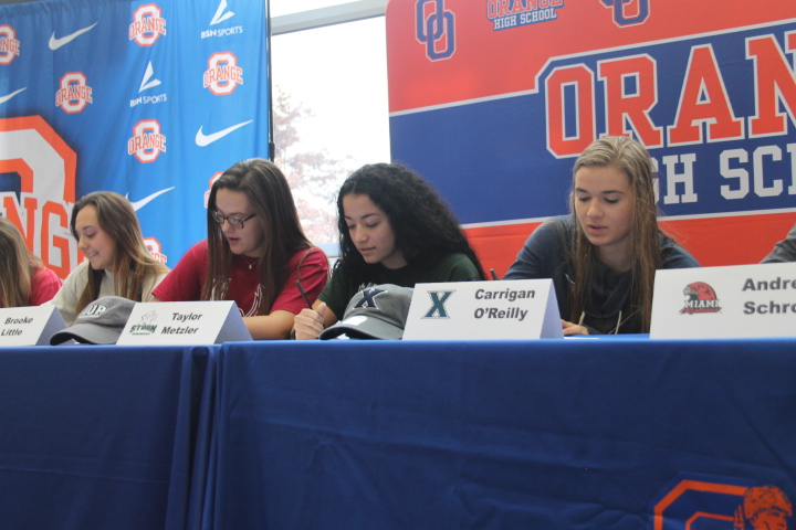 14 Student Athletes Sign to Play in College