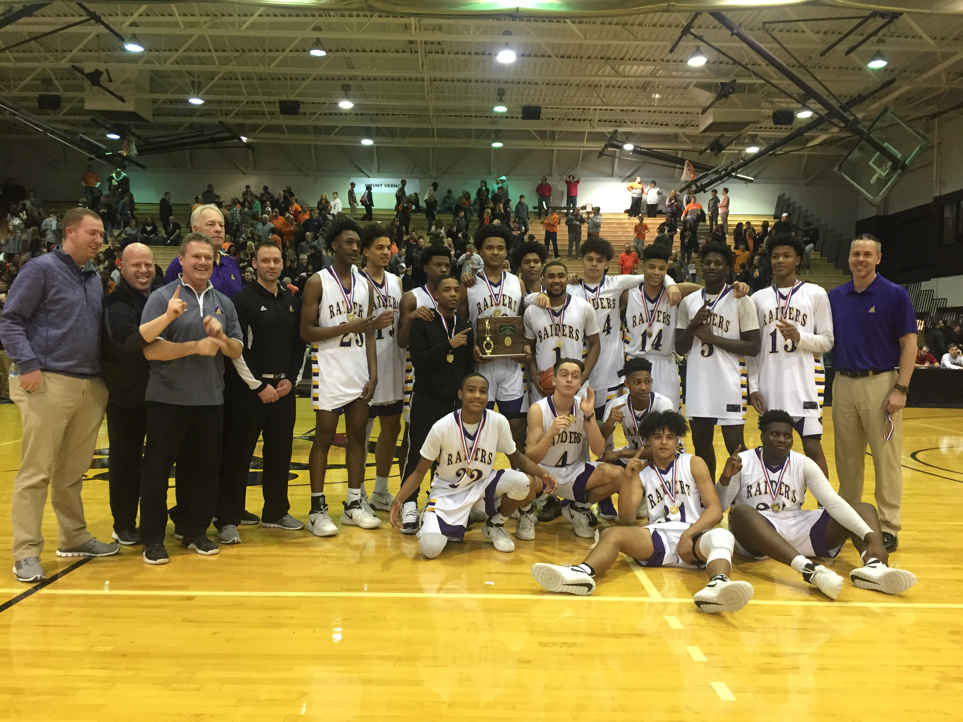 DISTRICT CHAMPS!! Raiders' fast start buries Mount Vernon in title game