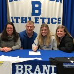 Janelle Kwasiborski Signs with Madonna University to Play Volleyball