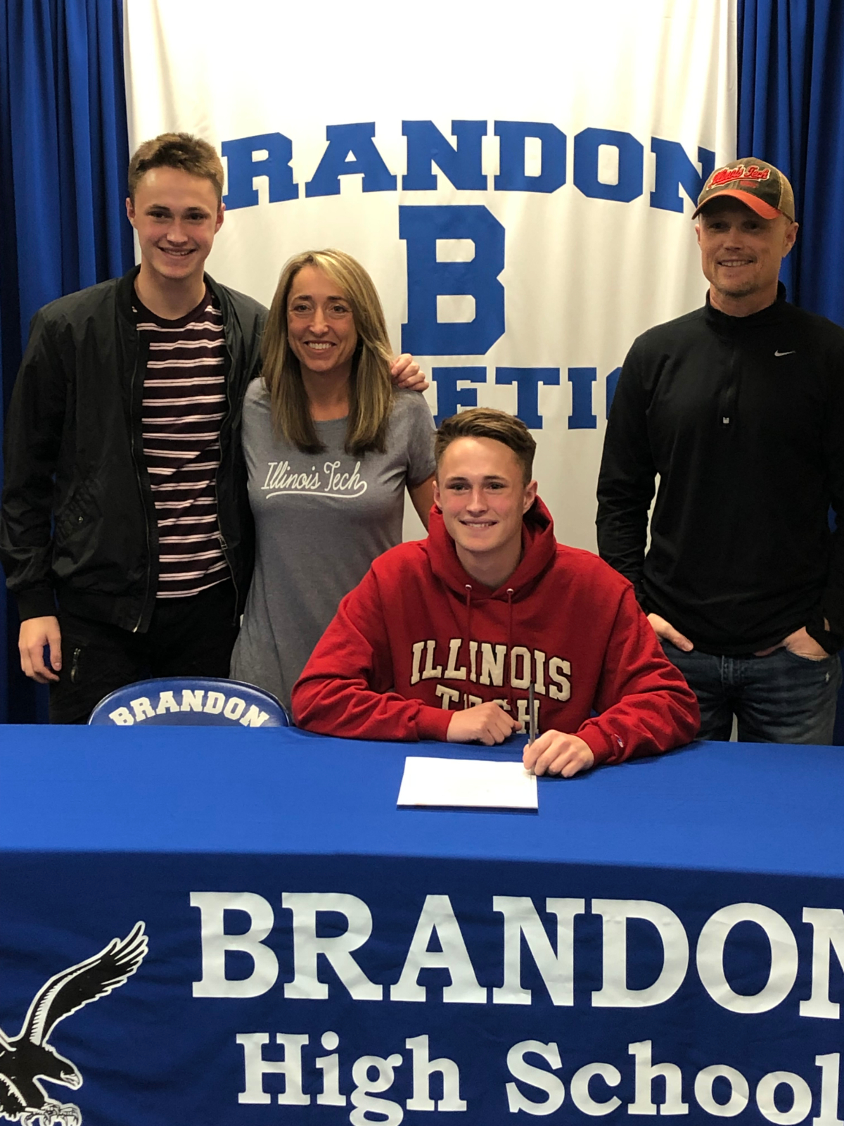 Matthew Beasley Signs to Play Soccer for Illinois Tech