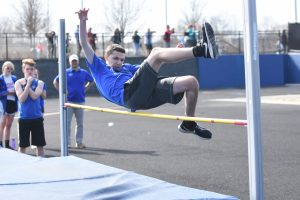Boys and Girls Middle School Track vs Lapeer 2019-04-22 Photo Gallery