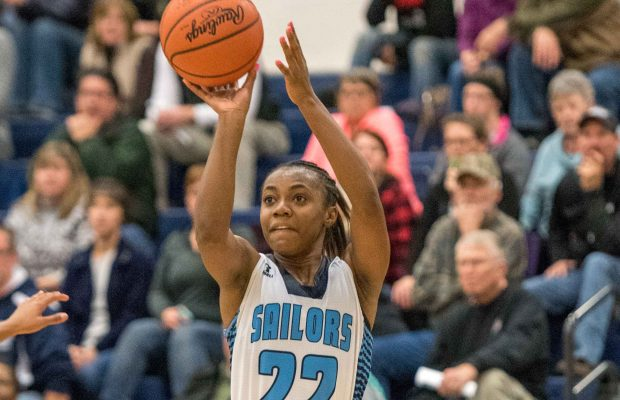 "Walker Wins BCAM's ""Ms Basketball"" Award"