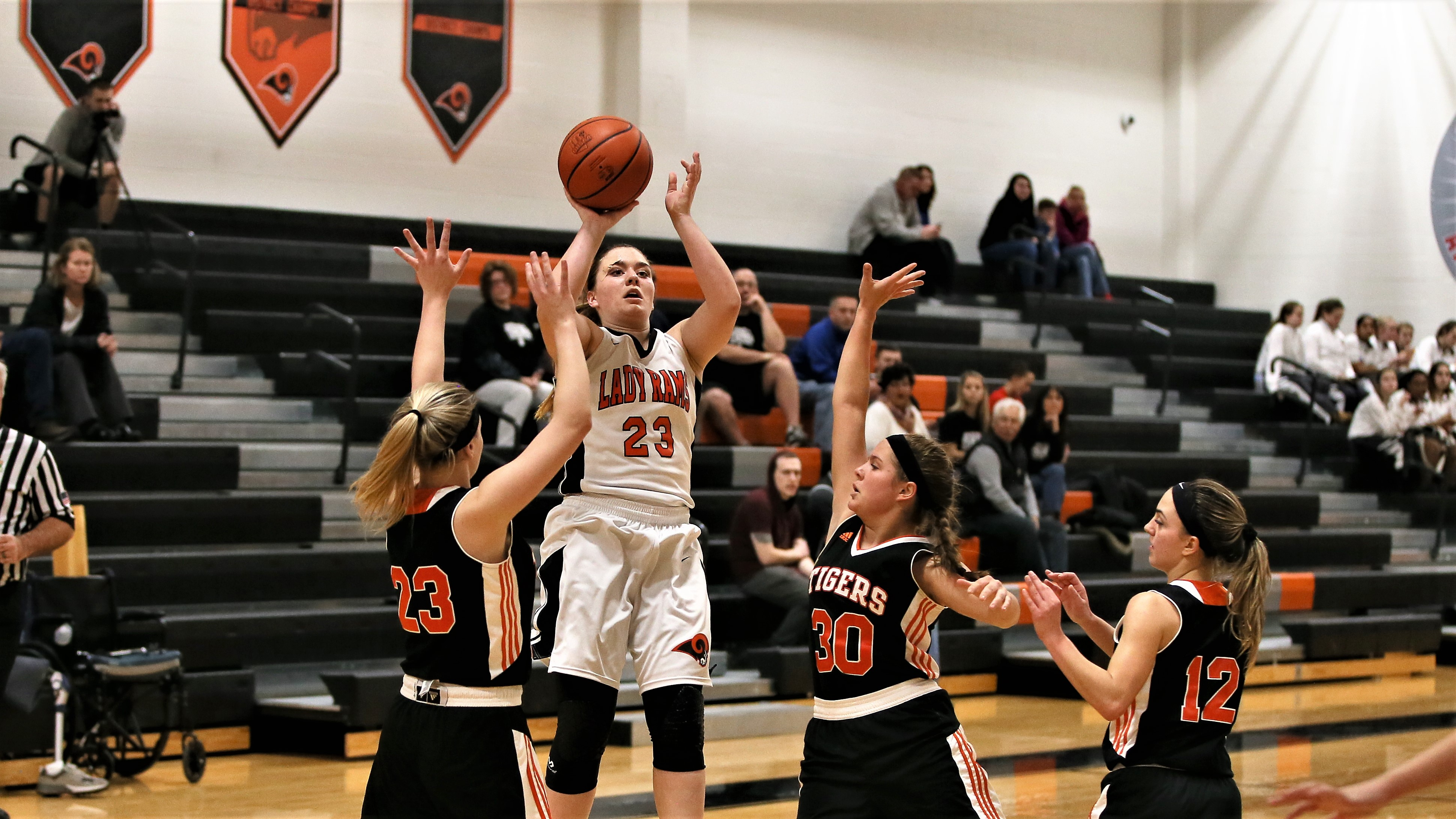 Lady Rams Win Late over Springfield Local 41 – 38