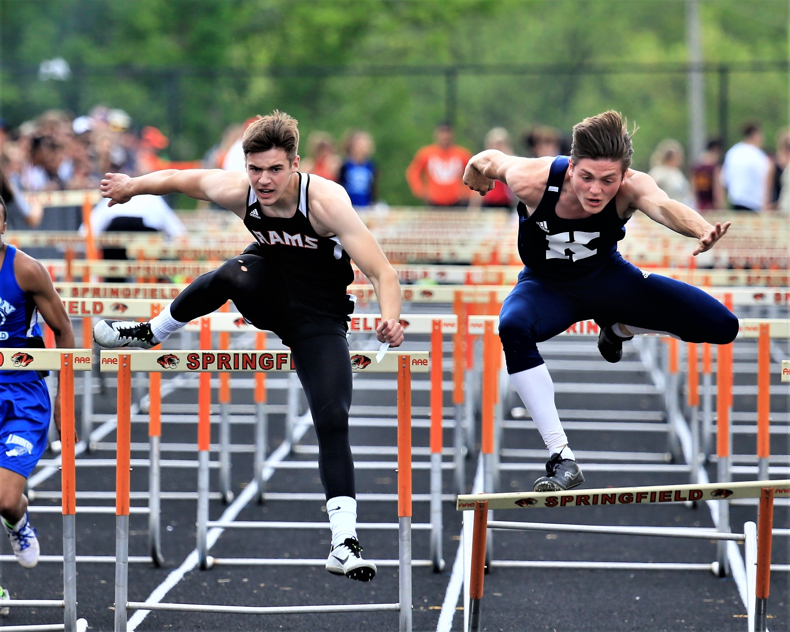 Chiclowe, Miller and 4 x 400 Relay Head to Regionals