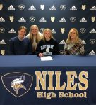Sydney Skarbek signs with Saint Mary's