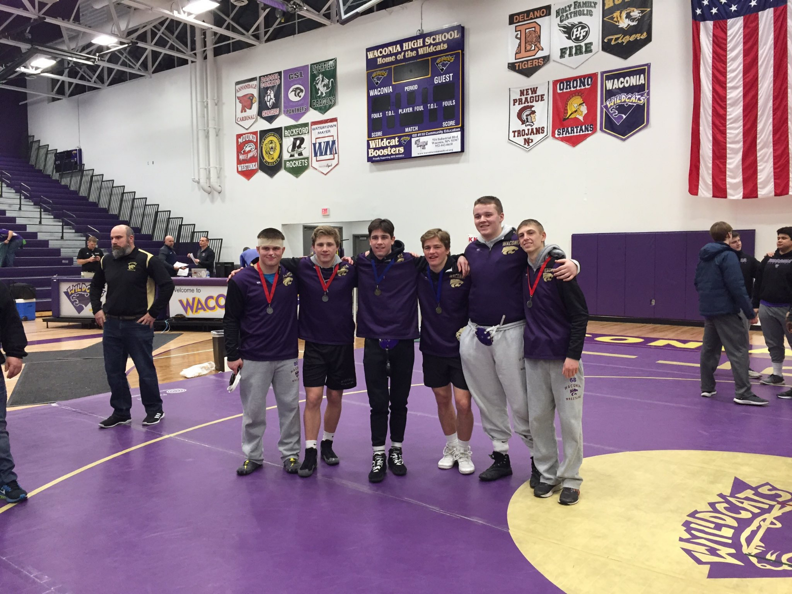 Six Wrestlers Qualify for STATE Individual Tournament!