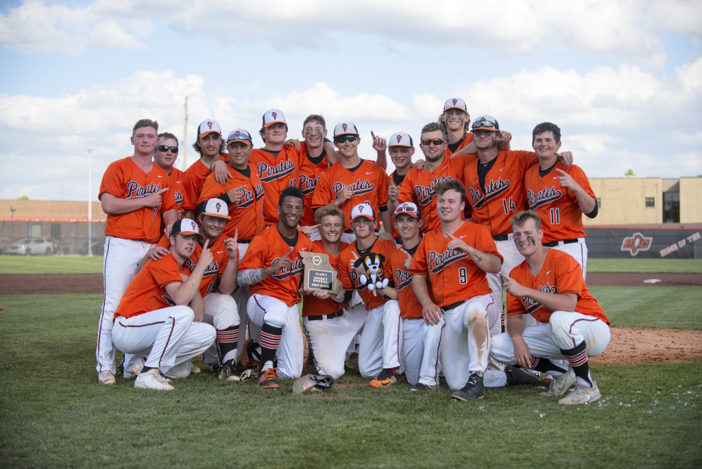 Baseball Wins Districts – Advance To Sectionals