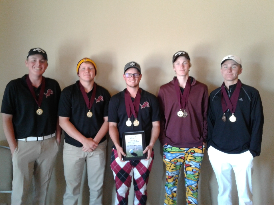 Boys Varsity Golf finishes 1st place at Capitol Hill Tournament