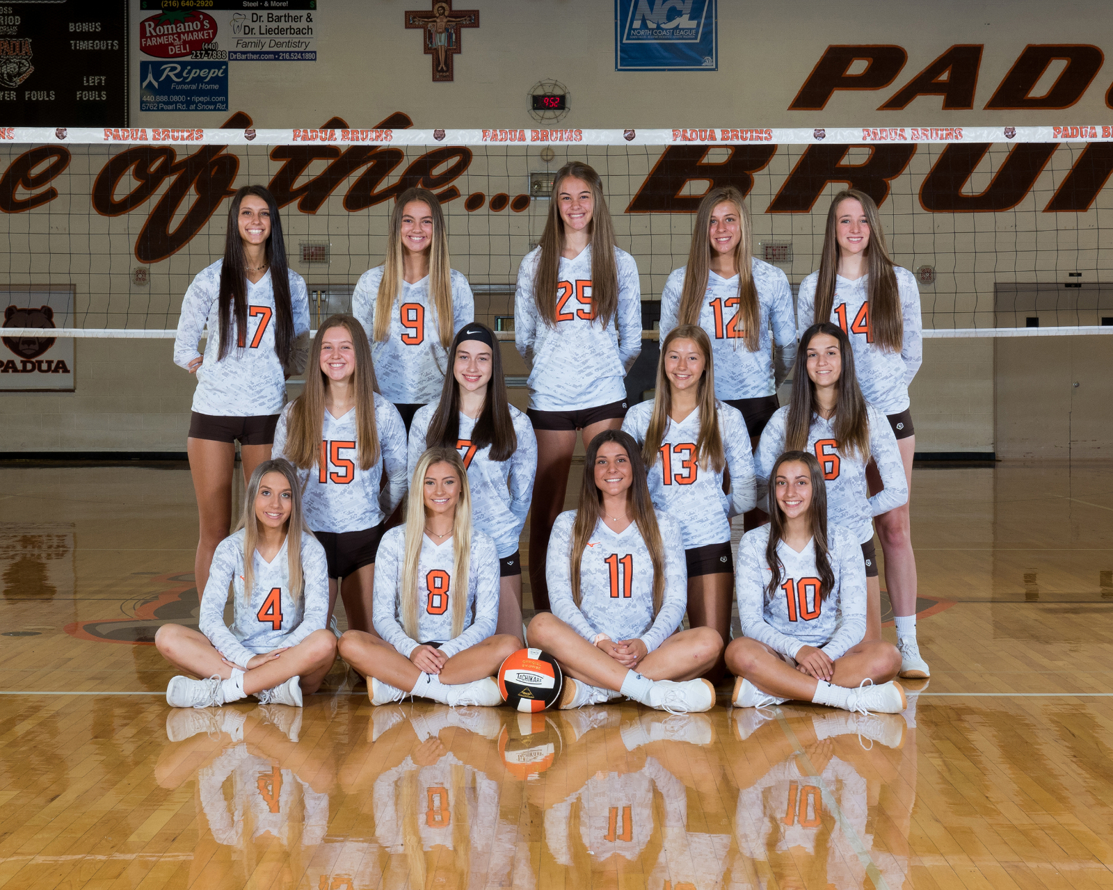 Girls Varsity Volleyball beats Lake Catholic 3 – 0