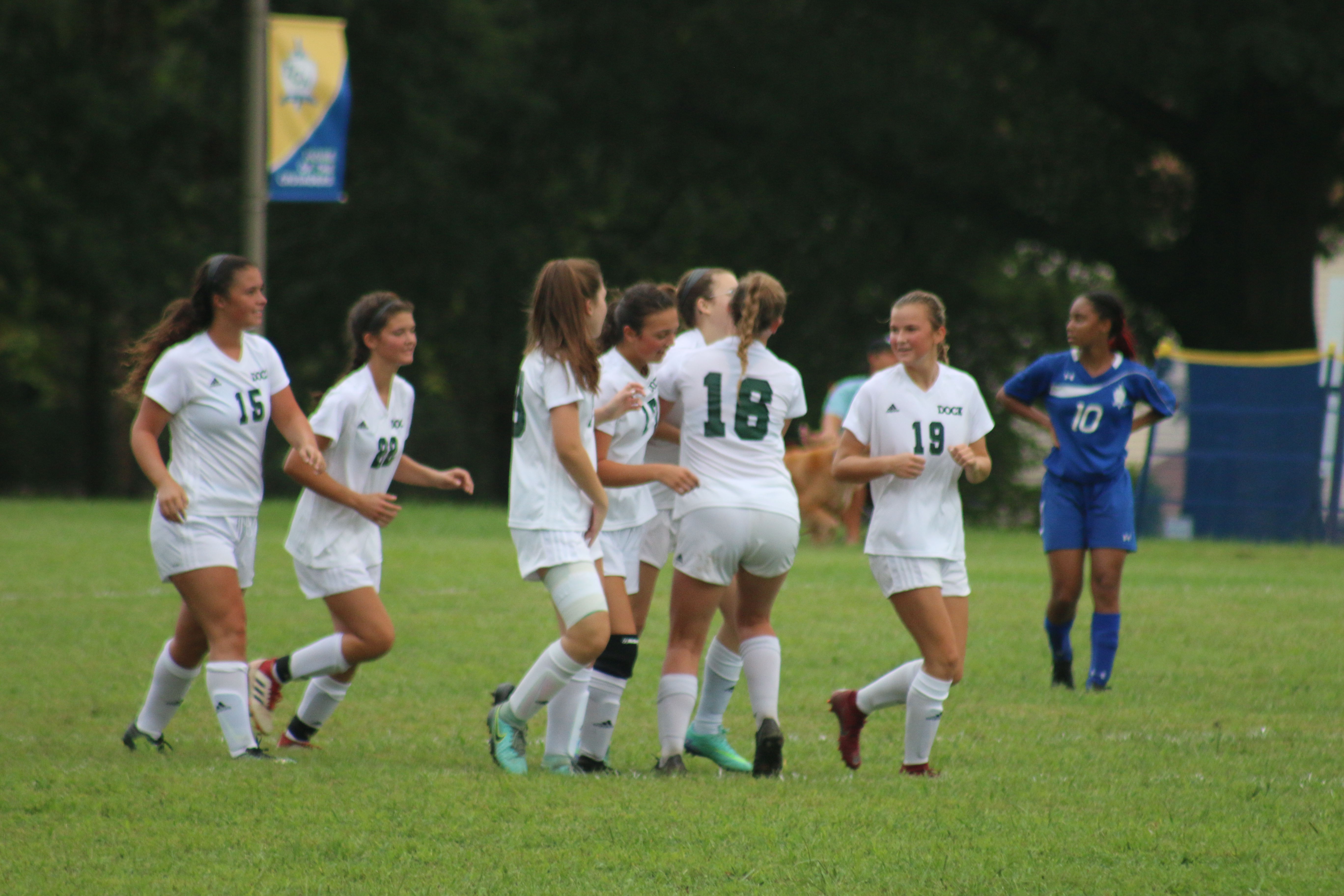 Dock Girls Continue Success on the Road