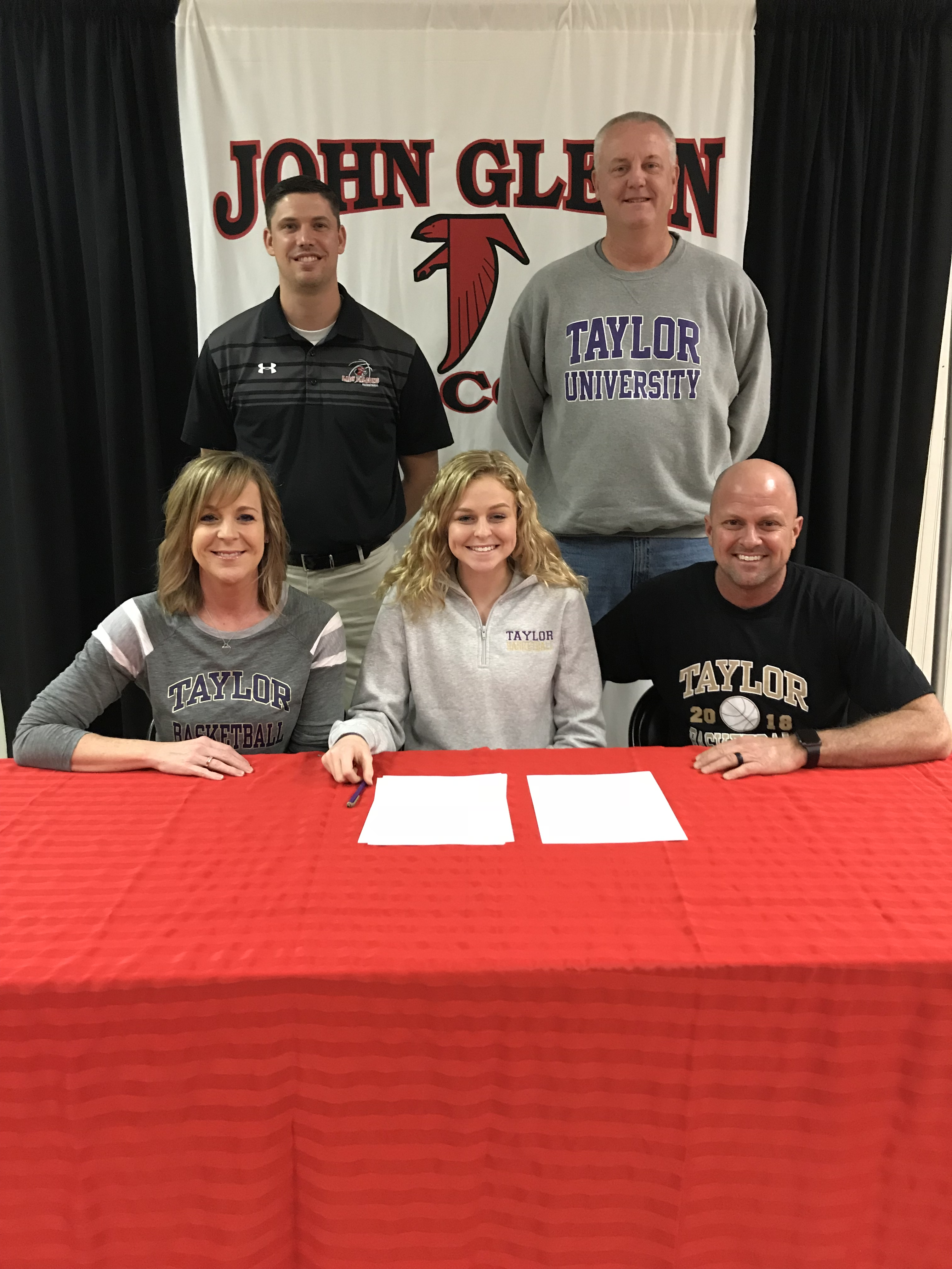 Mariah Plunkett Signs with Taylor University