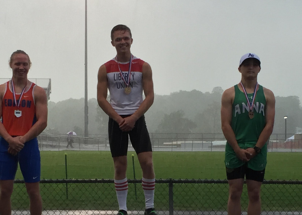 Morman Wins Pole Vault at Regionals, Qualifies for State Meet
