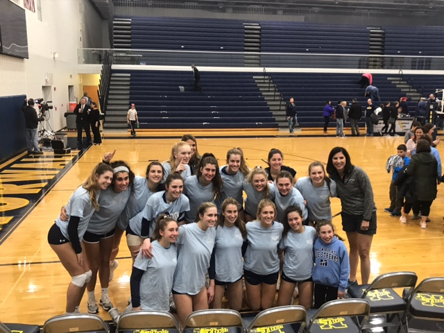 Volleyball Wins Regional Semifinal In 5 Sets Over Toledo Notre Dame