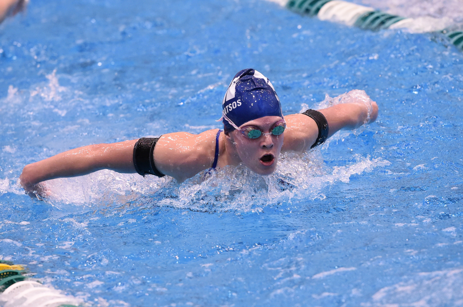 Magnificat Finishes 3rd In District Meet; Qualifies 5 Swimmers To State Meet