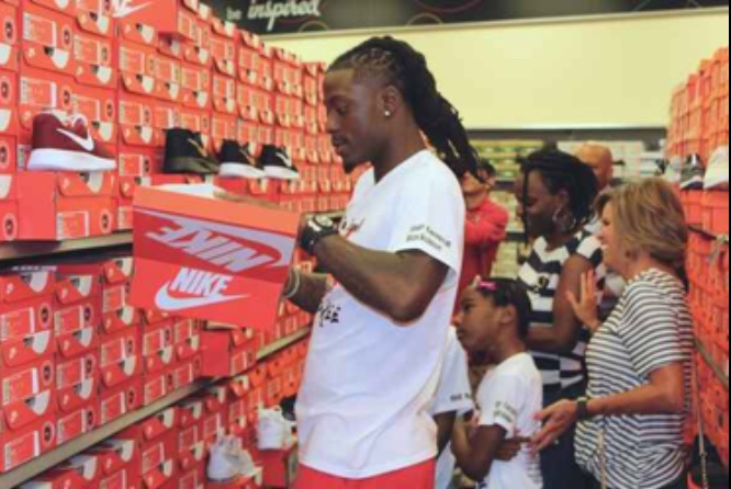 Dre Kirkpatrick gives back to some special kids in his hometown