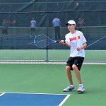 Tennis goes 1-1 in triangular meet