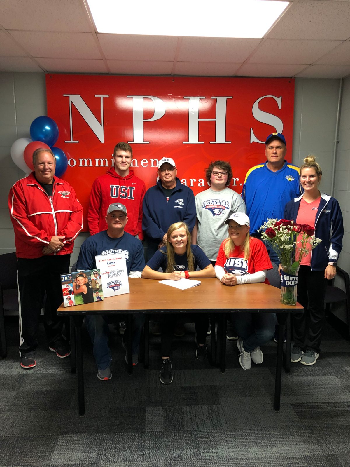Five Dragons sign college letters