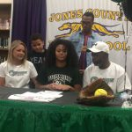 Williams Signs Softball Scholarship