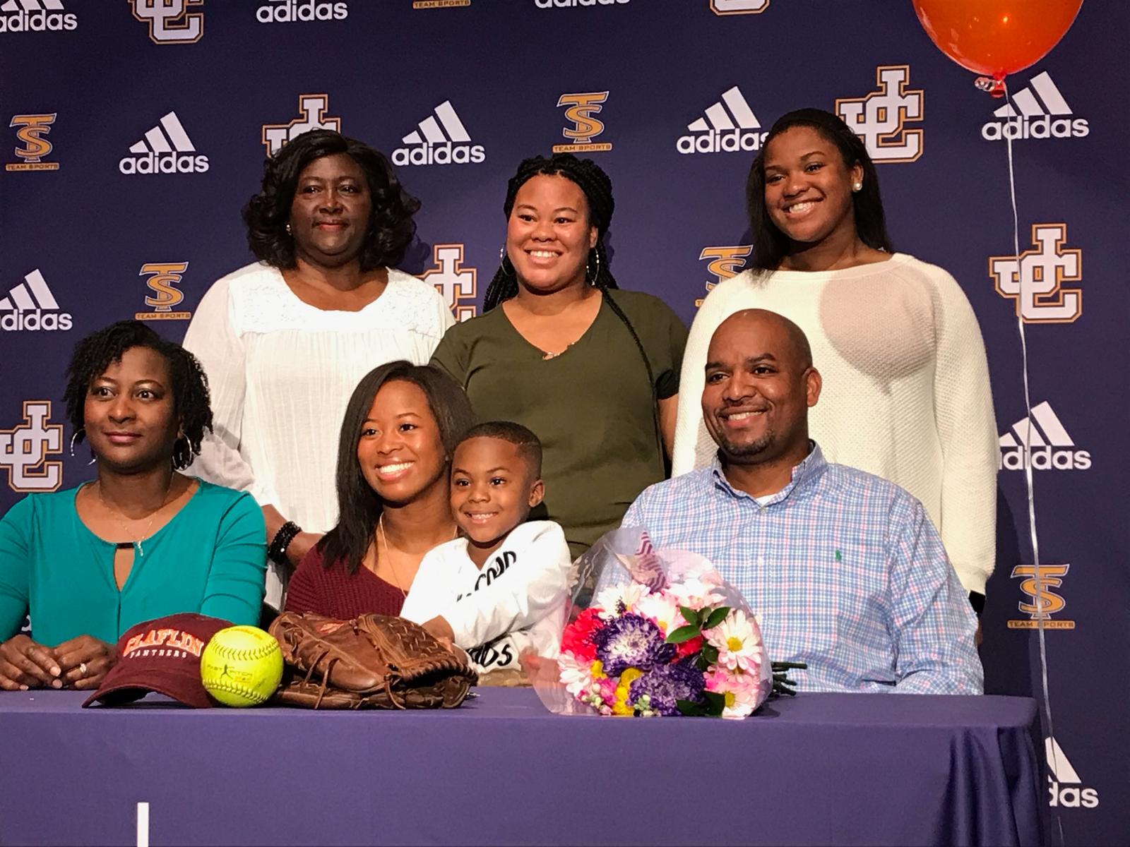 Brenay Howard Signs Softball Scholarship
