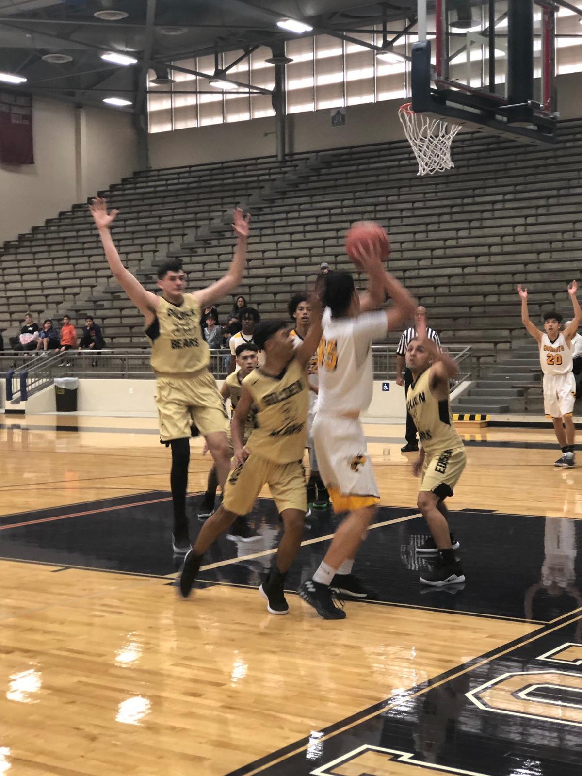 Boys Basketball Takes Home Consolation At SAISD Tournament
