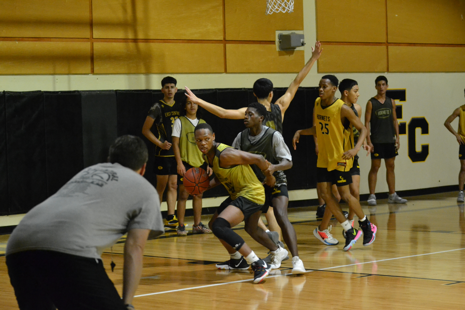 Boys Basketball Kicks Off Season