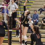 Volleyball: Crimson improve to 9-6