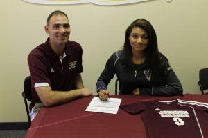 Chyenne Witt signs with Jackson Community College (photos)