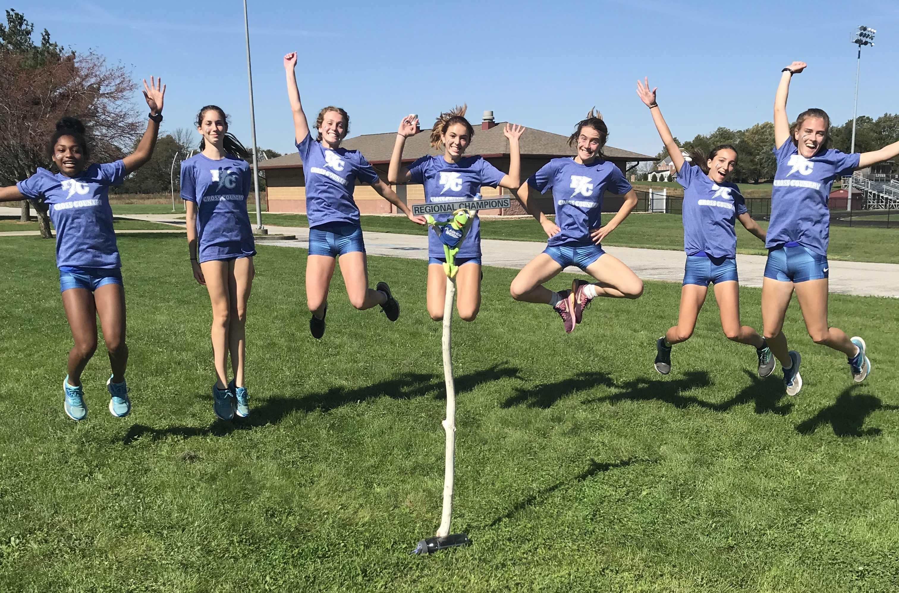 Lady Flashes XC Wins Big at Regionals