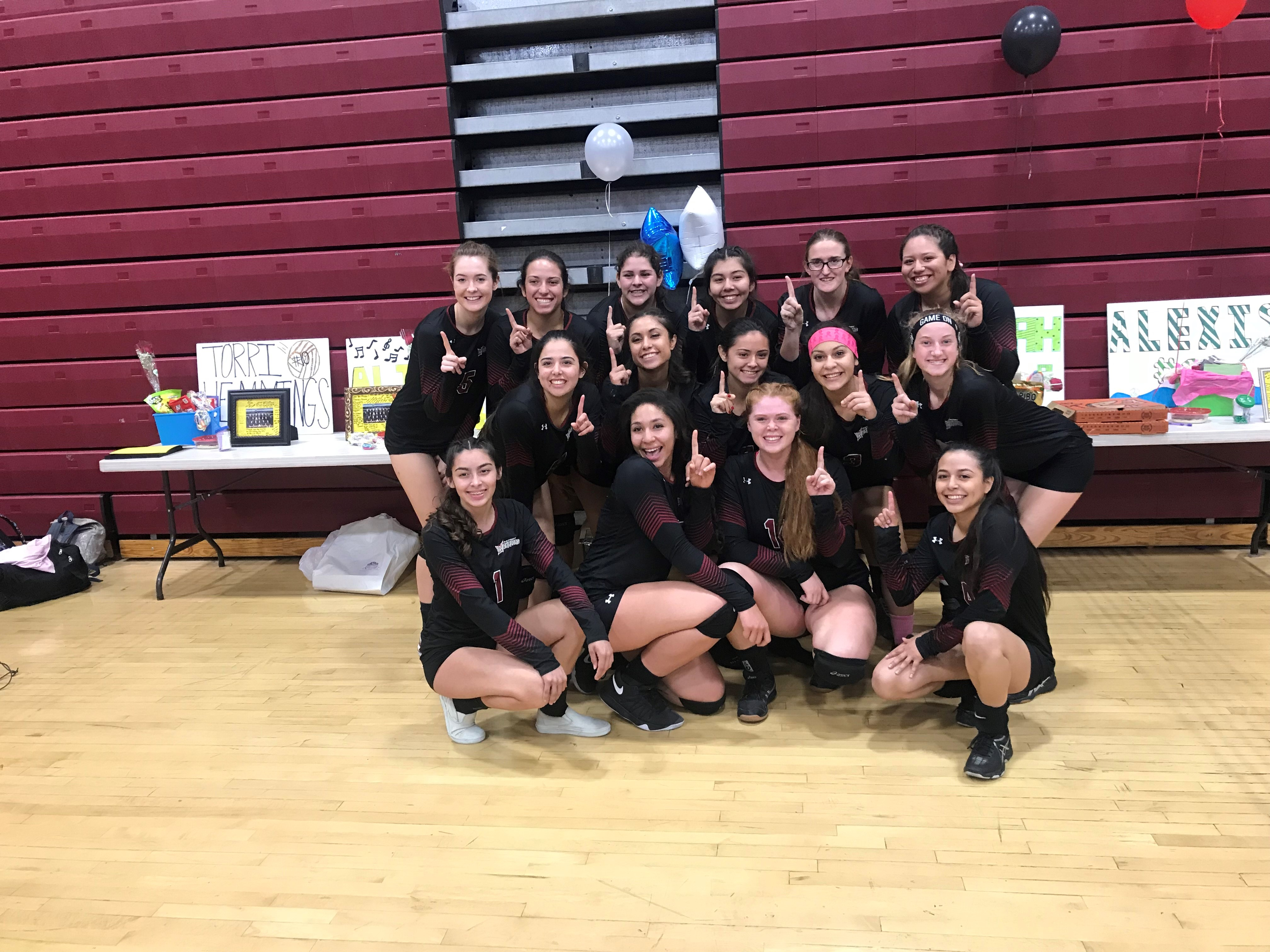 PHS Volleyball RVL Champions 10-0 and Second Round CIF