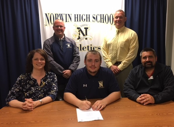 Horvat to Continue Football Career at Anna Maria College